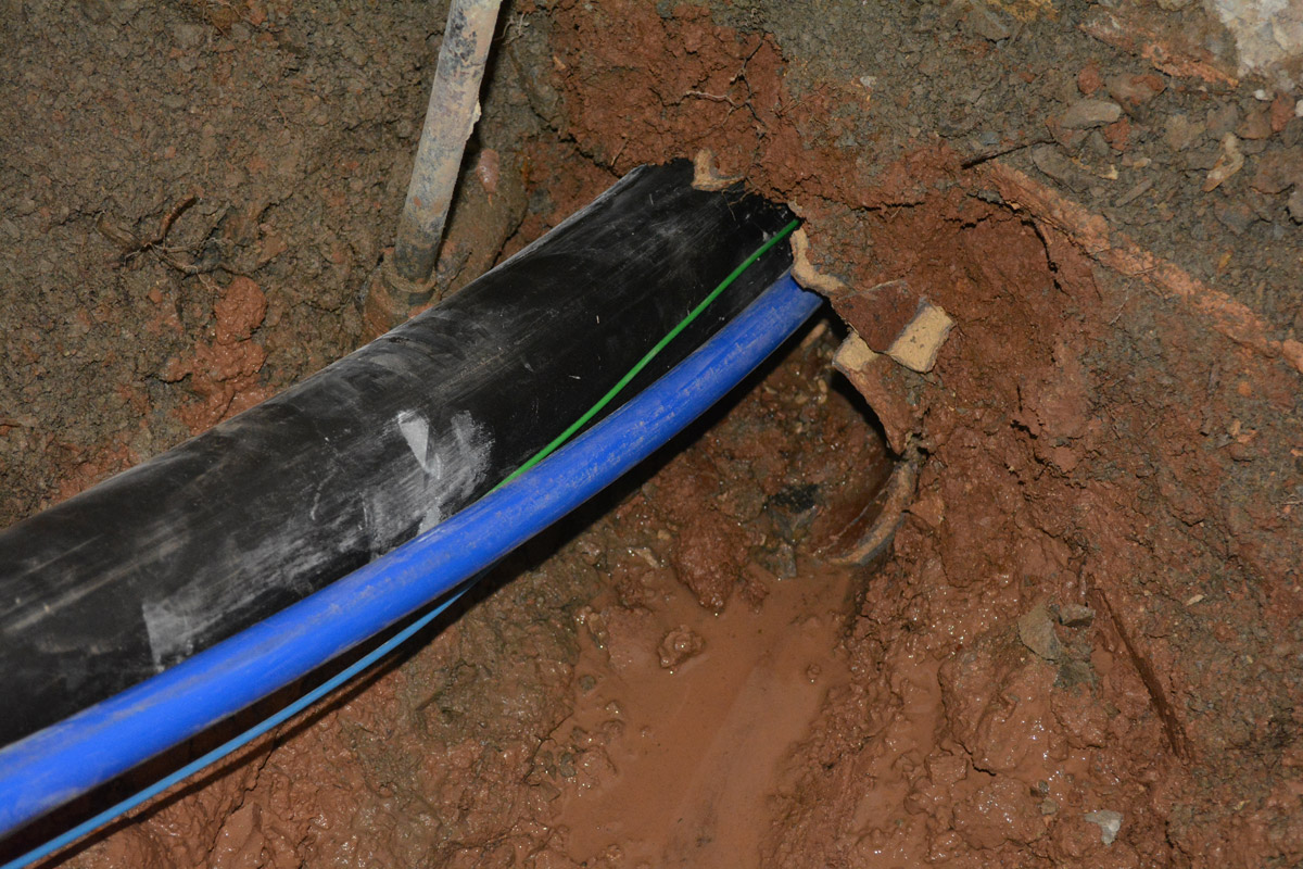 Pipe Bursting with new Sewer Line, Water Line and Tracer Wires installed